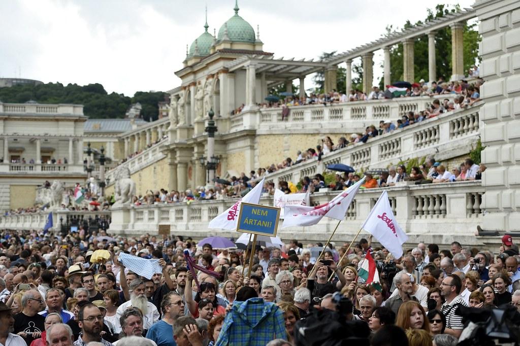 A nyár utolsó napjára szerveznek tiltakozás a köznevelési törvény ellen