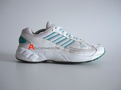 1998 VINTAGE ADIDAS WOLFPACK RUNNING SPORT SHOES