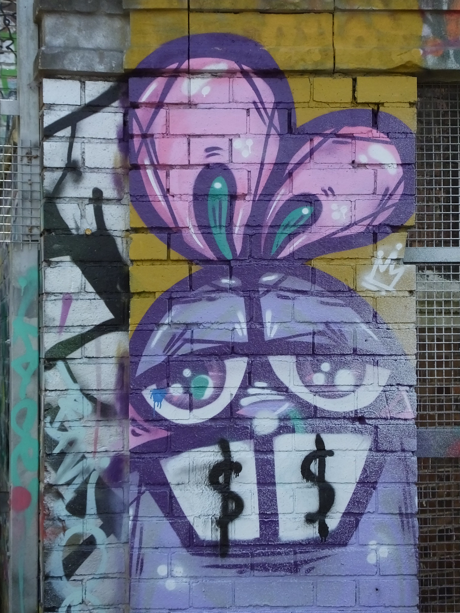 Bristol Street Art: Follow my rabbits