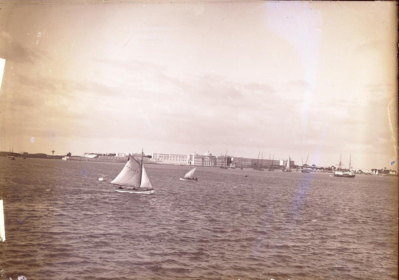 02. Египет. Вид на Александрию. полицейская лодка