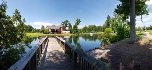 park dokomeadowspark lake pier building