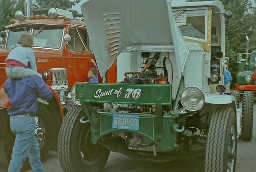 truck truckshow adamsmetalproductsparkinglot 7orbendriveledgewoodnj07852 7orbendrive 7orbendr orbenpark orbenpk roxbury roxburytownship nearus46westbound nearusroute46andinterstate80 nearus46i80 christophercolumbushighway christophercolumbushiway christophercolumbushwy ledgewoodroad ledgewoodrd newjersey nj morriscounty unitedstates usa us america minoltamaxxim5000camera minoltacamera 35mmfilm filmcamera colorprintfilm colornegativefilm singlelensreflexcamera slr white green