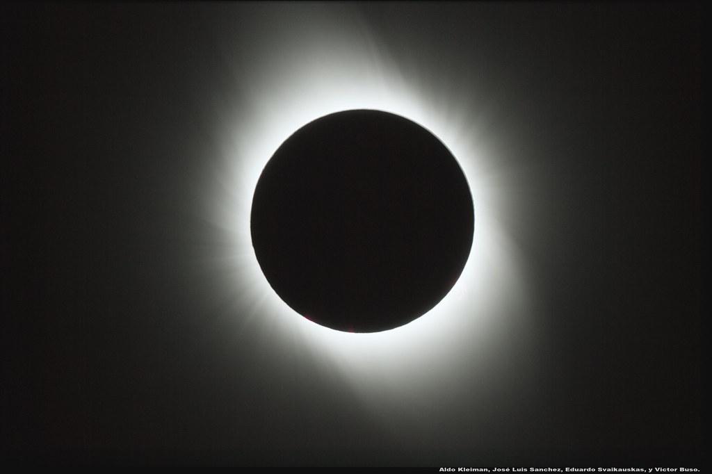 Eclipse solar total del 2 de julio de 2019 (corona), desde San Juan, Argentina.