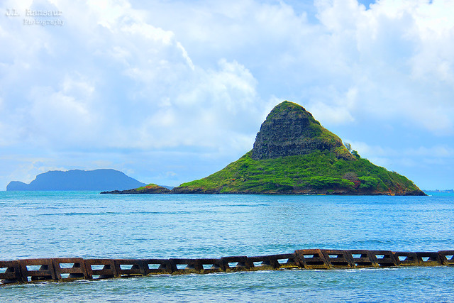 Mokoli'i (aka Chinaman's Hat) - Kualoa Point, Oahu, Hawaii