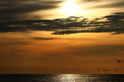 sunset clouds gulf gulfofmexico beach water sun reflection vacation englewoodbeach orange sky englewood florida 2019 allrightsreserved