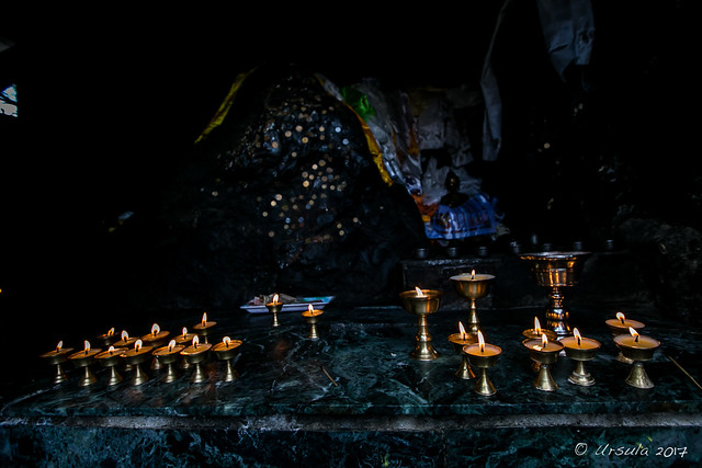 Lamps on a Shrine3962