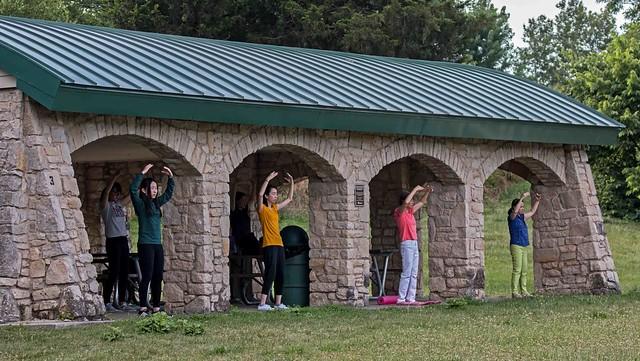 Falun Dafa - Standing Stance