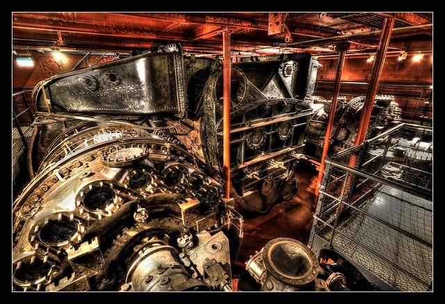 Belfast NIR - HMS Caroline engine room 03