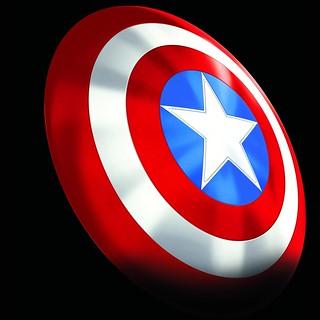 漫威80週念紀念,漫畫元祖配色登場~! 孩之寶 漫威傳奇收藏道具【美國隊長經典盾牌】Marvel Legends Series Captain America Classic Shield
