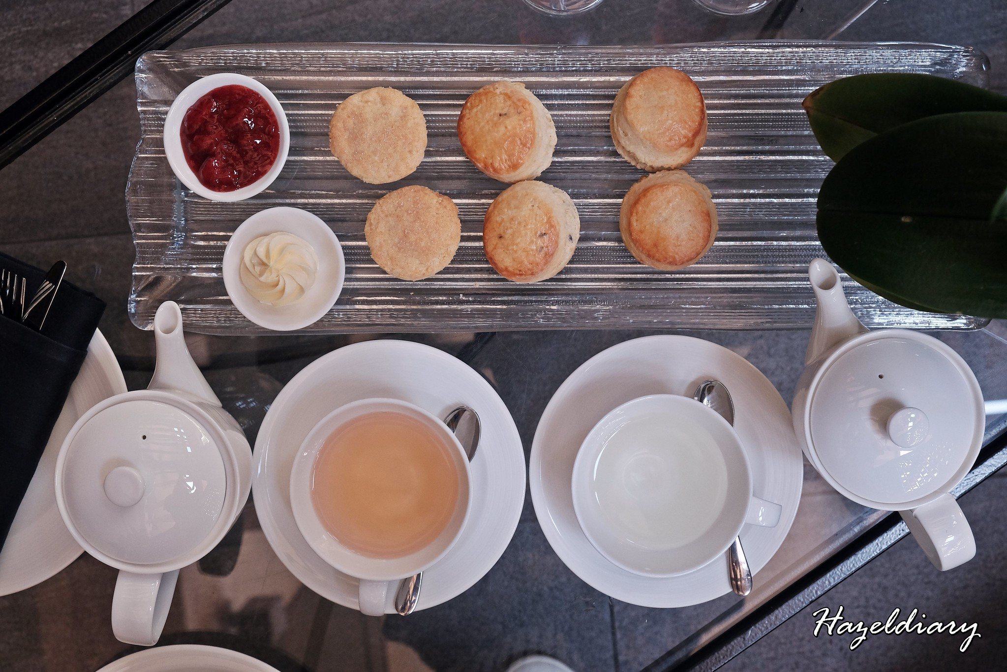 Floral Weekend High Tea-One Ninety Bar Four Seasons Hotel Singapore-Scones