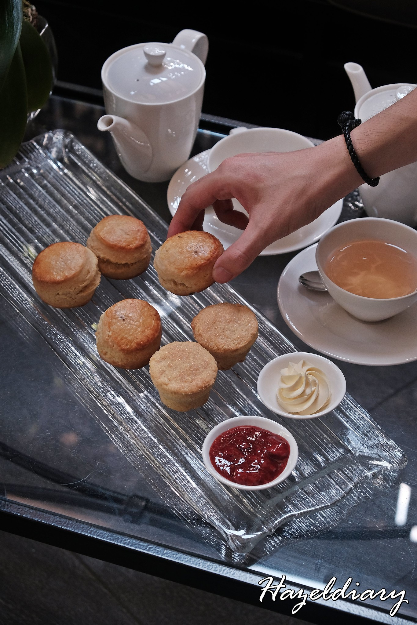 Floral Weekend High Tea-One Ninety Bar Four Seasons Hotel Singapore-Scones-1