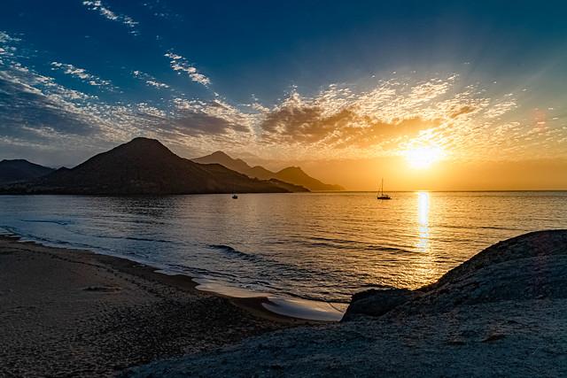 .... And dawns .... on the beach of Genoveses...., Y amanece....en la playa de Genoveces