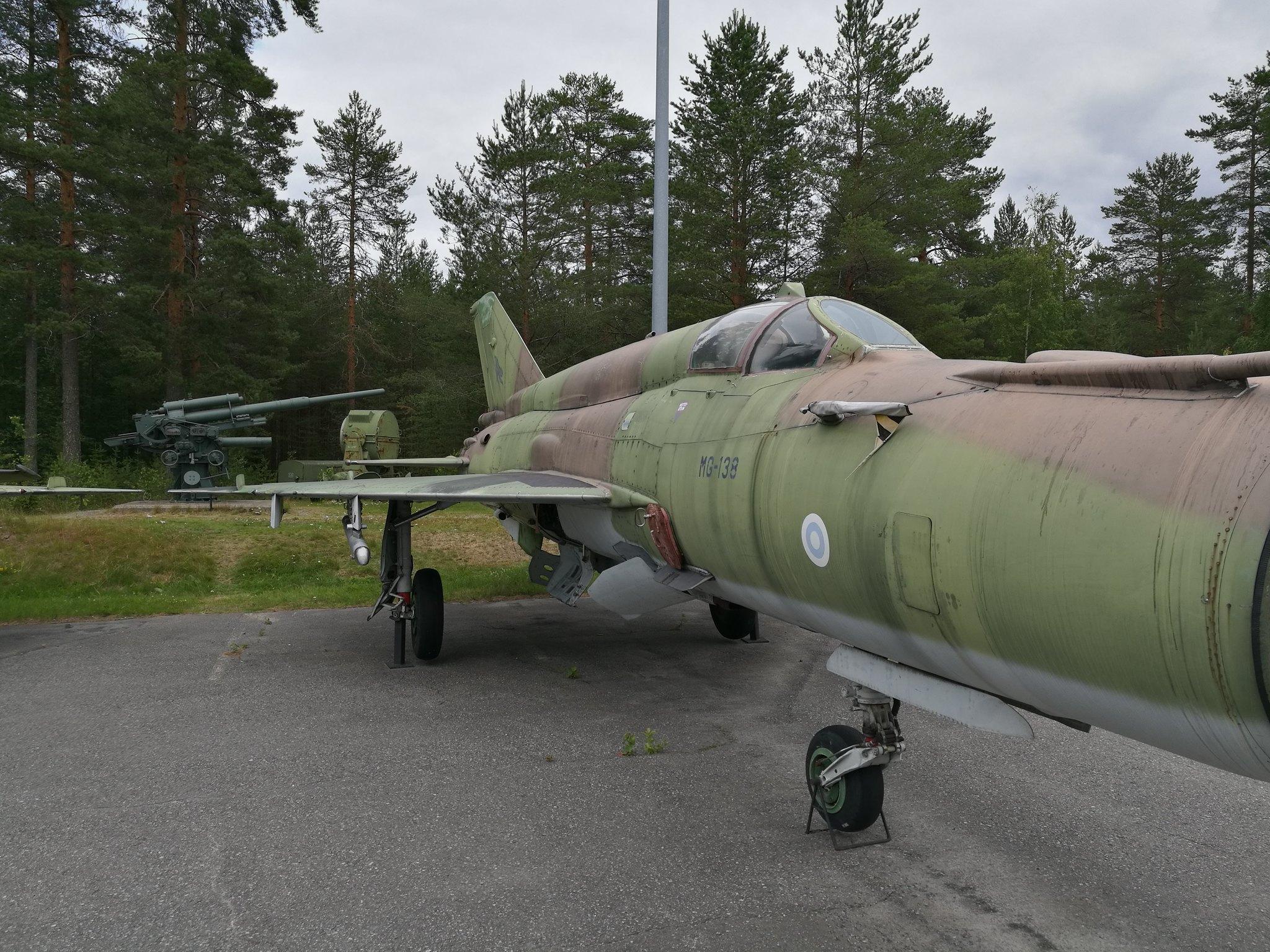 Hemkommen från semester i Finland med utflykt till Finlands Flygvapenmuseum. 48287368391_6ced623ddc_k