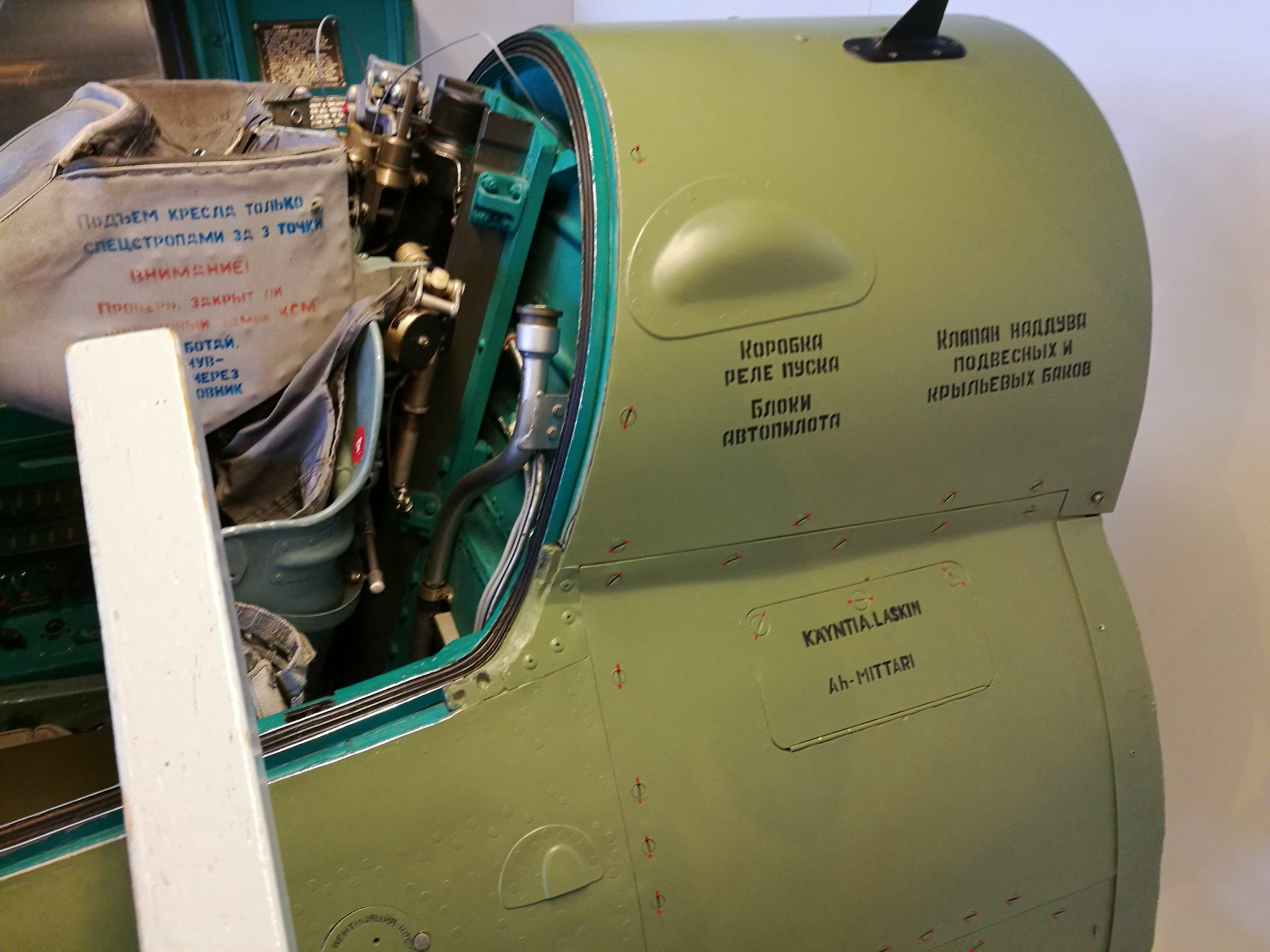 Hemkommen från semester i Finland med utflykt till Finlands Flygvapenmuseum. 48287467977_decf30ad99_k