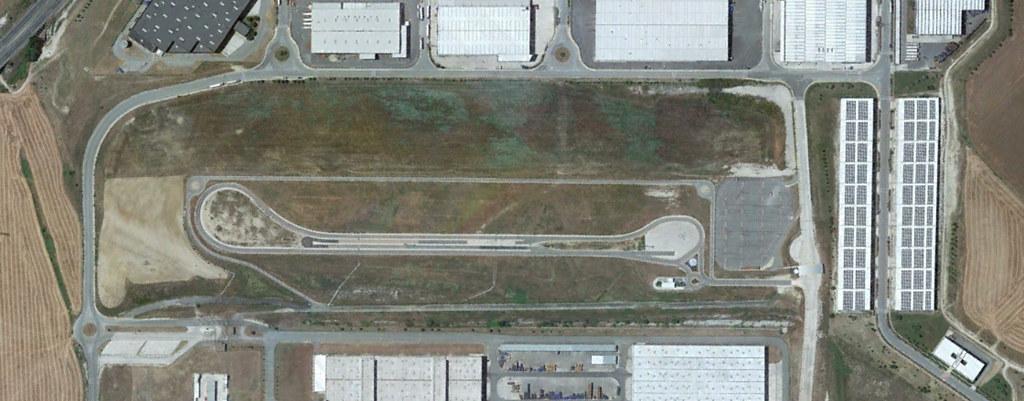 pista de pruebas de volkswagen navarra, navarra, haceos un loop mejor, después, urbanismo, planeamiento, urbano, desastre, urbanístico, construcción, rotondas, carretera