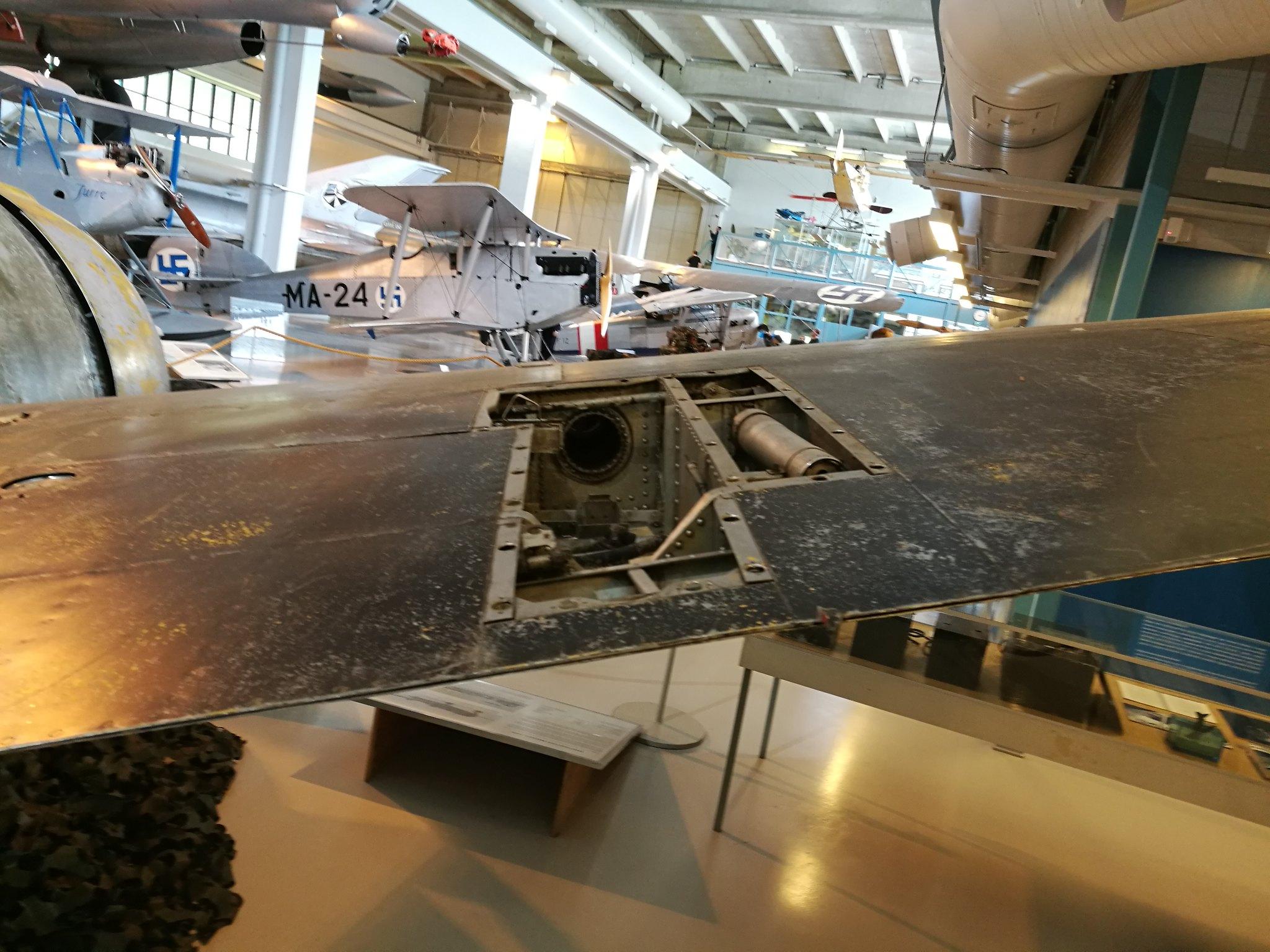 Hemkommen från semester i Finland med utflykt till Finlands Flygvapenmuseum. 48293065092_7bf380fd57_k