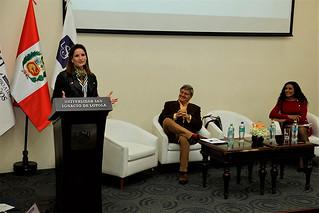 La igualdad de oportunidades debe construirse con educación integral en todos los niveles para estandarizar las oportunidades existentes y repartirlas de manera justa entre mujeres y hombres, sostuvo la presidenta ejecutiva de la corporación San Ignacio de Loyola (USIL), Luciana de la Fuente, durante la XV Conferencia Internacional de la Mujer, organizada por la ONG Asociación Mujer Peruana.