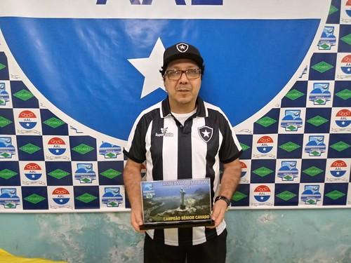 Marcos Moysés tricampeão de futmesa