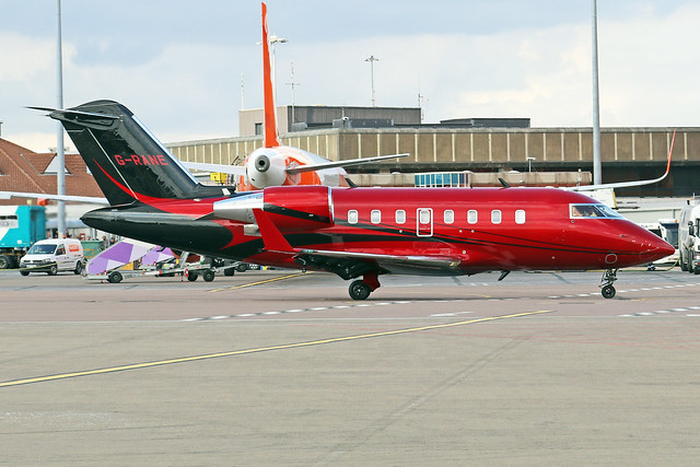 G-RANE  -  Challenger 605  -  Saxon Air  -  LTN/EGGW 14-7-19