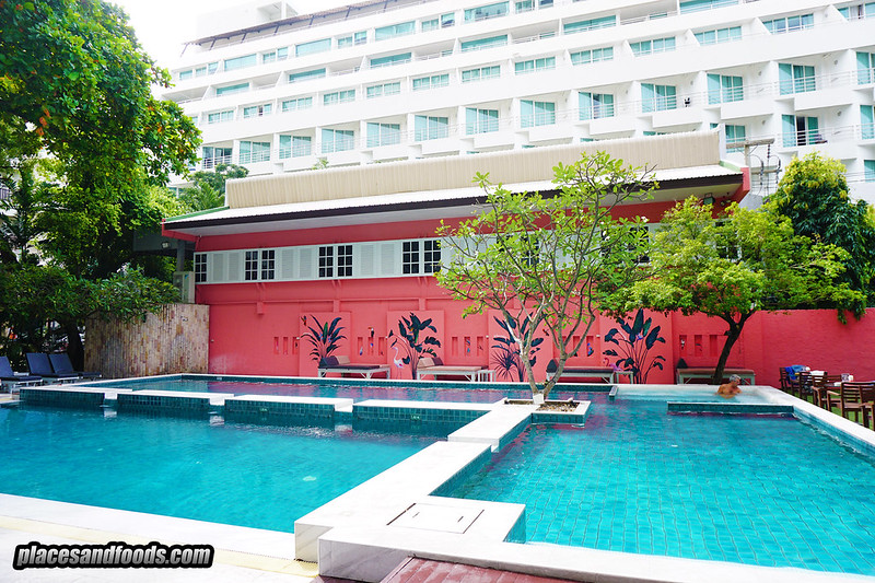 sandalay pattaya resort swimming pool