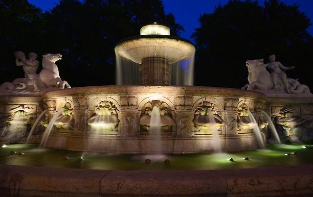 Munich - Wittelsbacher Brunnen