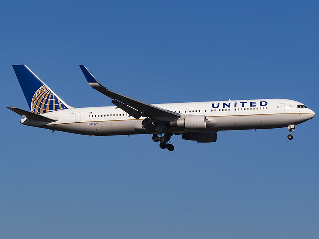 United Airlines | Boeing 767-322(ER)(WL) | N642UA