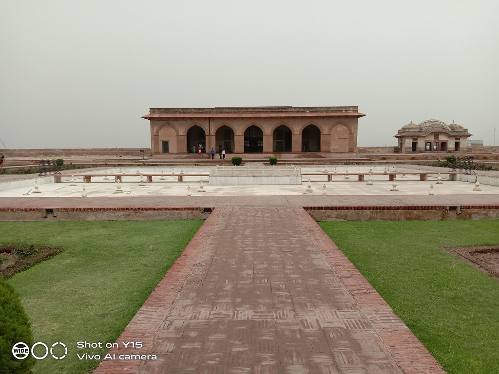 lahore fort inside mobile photography