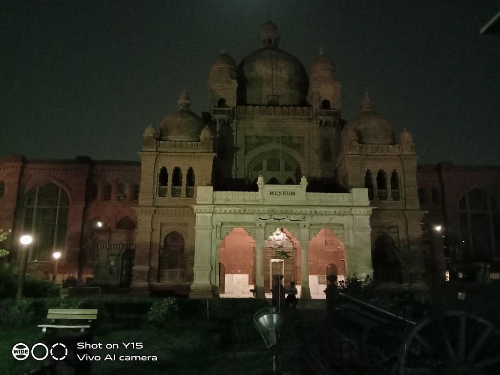 Lahore Museum night shot Vivo Y15
