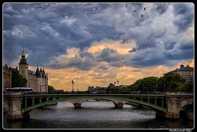 Paris_Seine_Pont Notre Dame_Pont au Change_Conciergerie_4e Arrondissement
