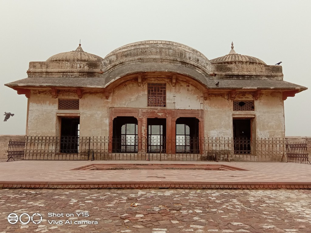 Inside lahore fort mobile photography