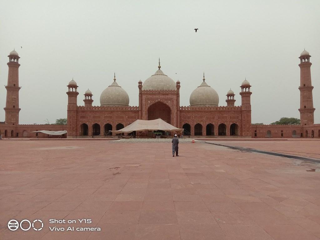 Badshahi mosque auto mode Vivo Y15