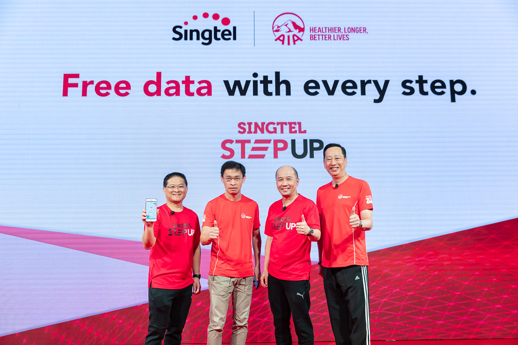 From left: Mr Wong Soon Nam, VP, Consumer Products, Consumer Singapore at Singtel, Mr Tan Hak Leh, Regional CEO of AIA Group, Mr Yuen Kuan Moon, CEO of Consumer Singapore at Singtel and Mr Patrick Teow, CEO of AIA Singapore at the launch of StepUp