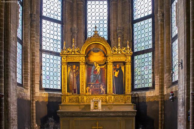 Madonna con Bambino e Santi di Bellini