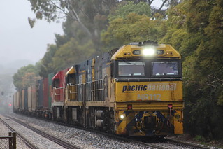 7MP5 just about to cross Angus Rd at Mitcham  on a wet Sunday morning NR112, NR60, NR109