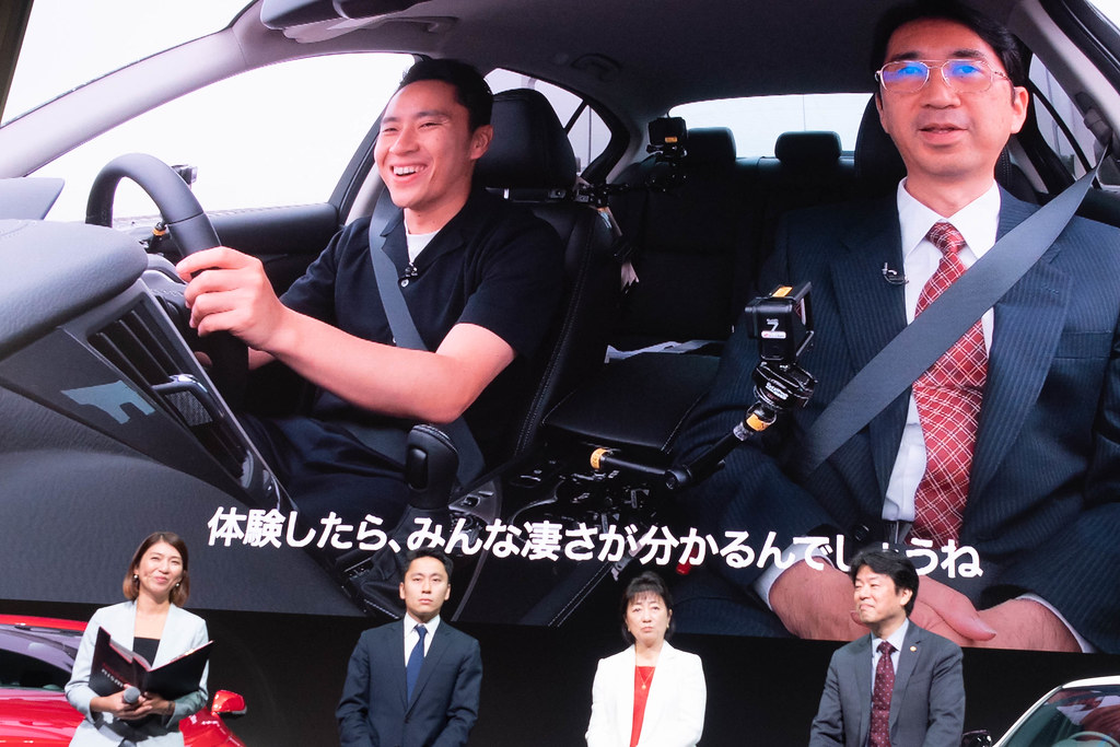 Nissan_SKYLINE-48
