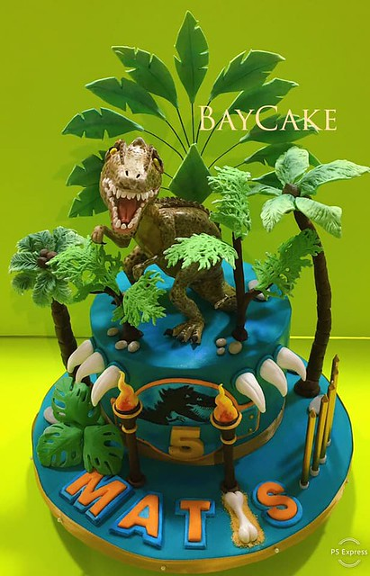 Cake by Simon Bettina