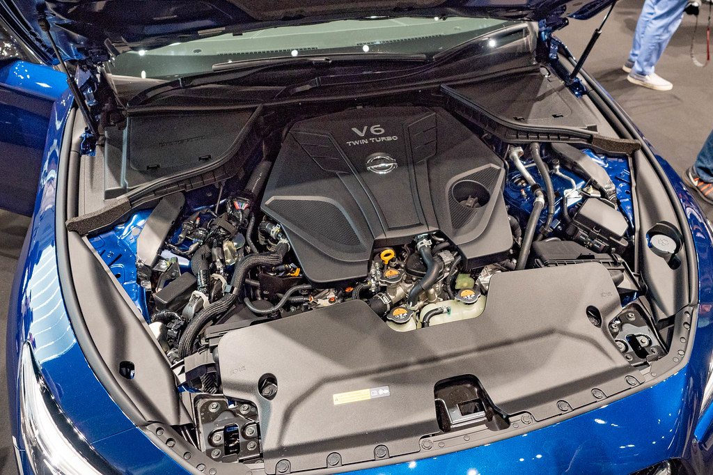 Nissan_SKYLINE-72