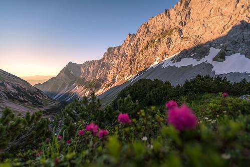 lamsenjoch lamsenspitze karwendel alpen alps alpes berge gebirge mountains montagne tirol tyrol österreich austria autriche landschaft landscape paysage natur nature alpenglühen alpenglow sommer summer été canon eos 6d