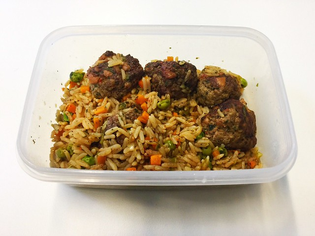 Meatballs with vegetable rice - Remainings II / Hackbällchen mit Gemüsereis - Resteverbrauch II