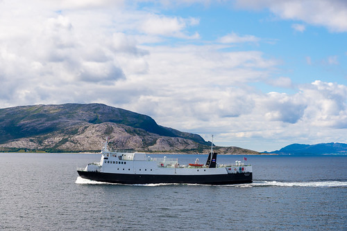 europa europe fv17 norge norway biltur boat båt ferge ferry kystriksveien roadtrip sommer summer holm nordland
