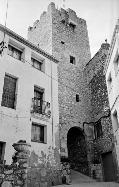 Porta de Cal Capet / Cal Capet gate