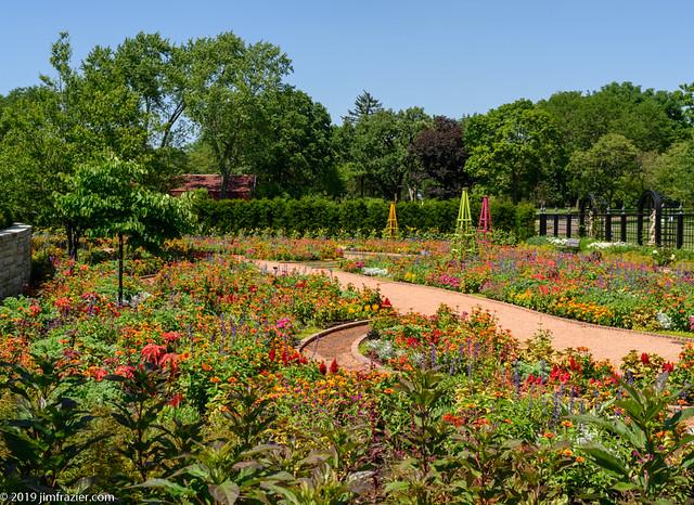 Summer in the Lower Bur Oak Garden