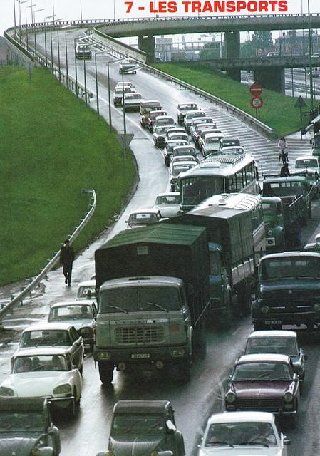Postcard Découvrir la France Les Transports L'Autoroute A1 à la sortie de Paris 1971
