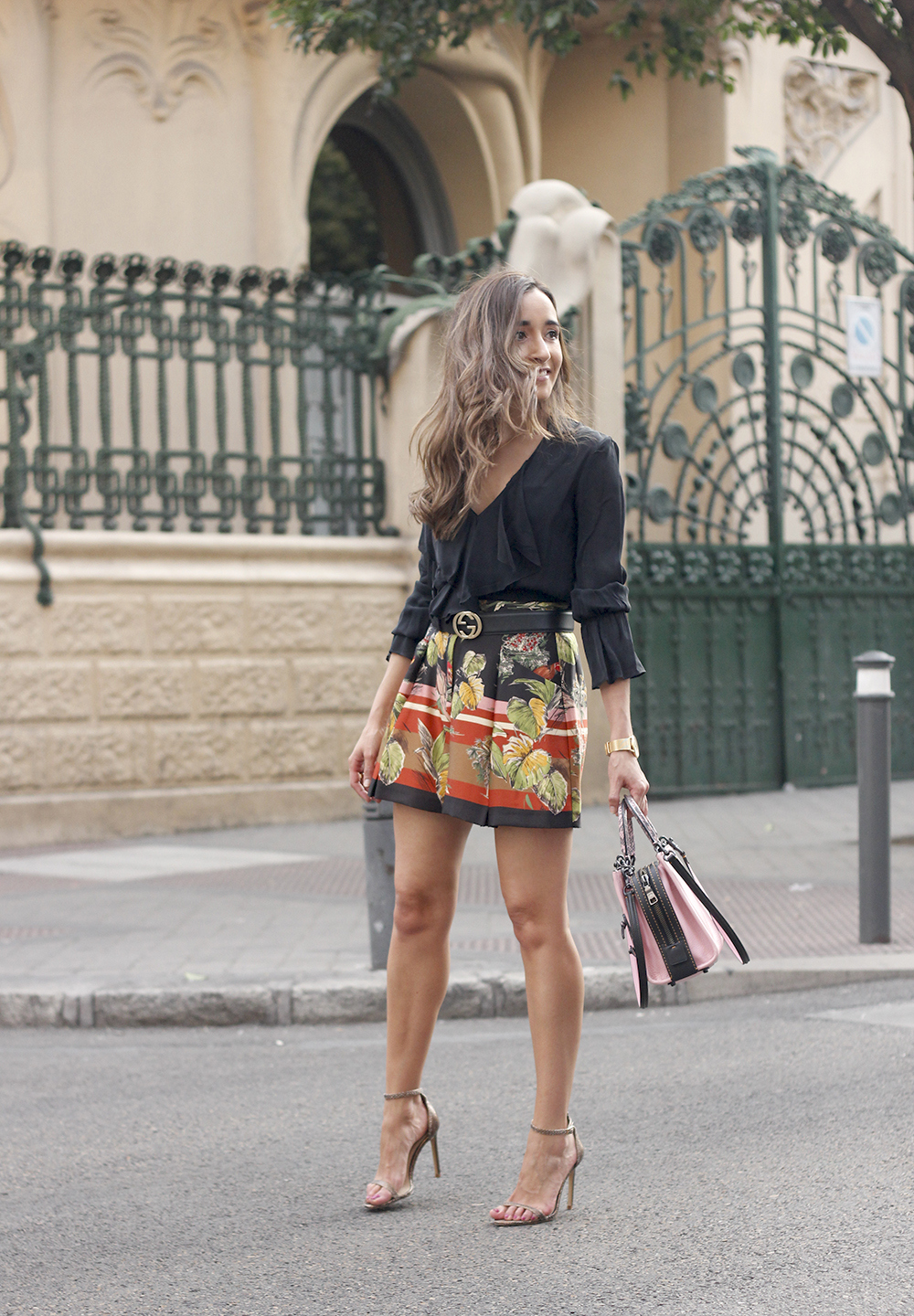 tropical print shorts caoch pink bag street style outfit 20199