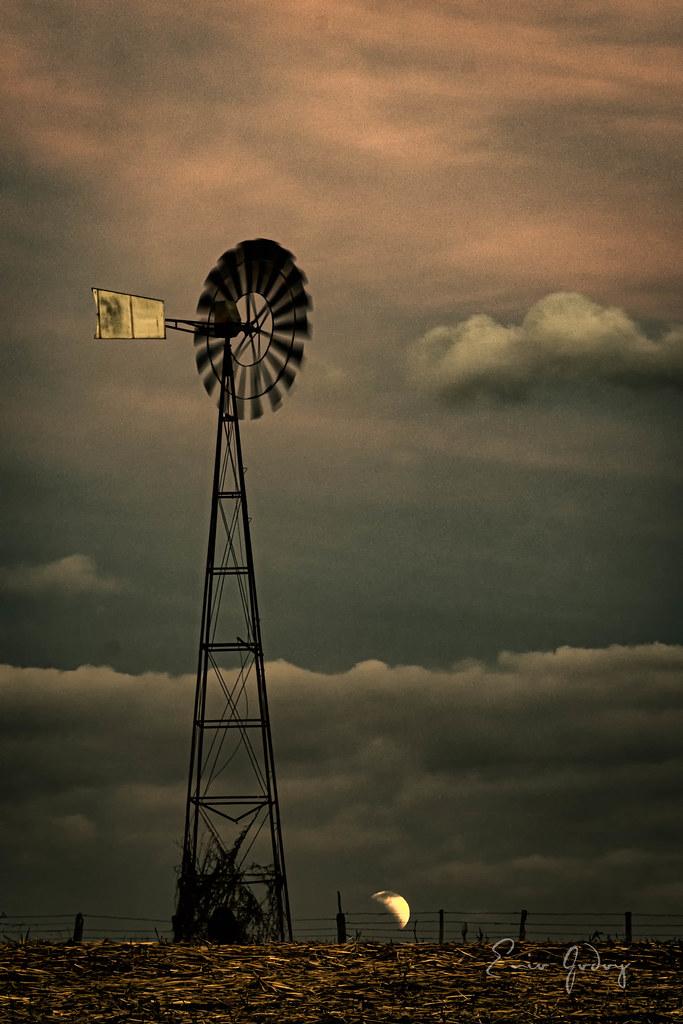 Windmill 2 - Lunar Eclipse