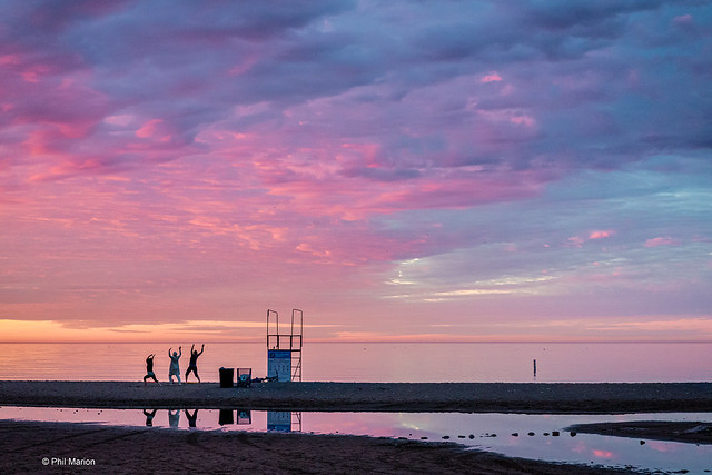 Sunrise yoga - Lake Ontario - Woodbine Beach - Toronto