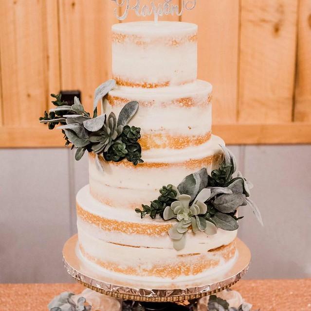 Cake by Bibicakes