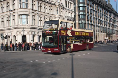 Big Bus Tours DA211 PN09ENY
