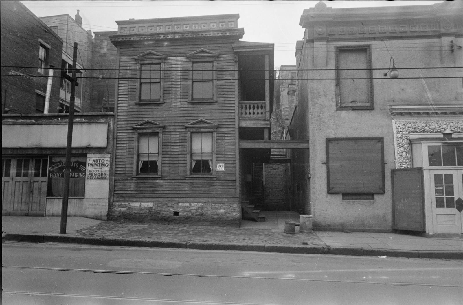1935. Дома для городской бедноты в округе Гамильтон, Огайо на снимках Карла Миданса