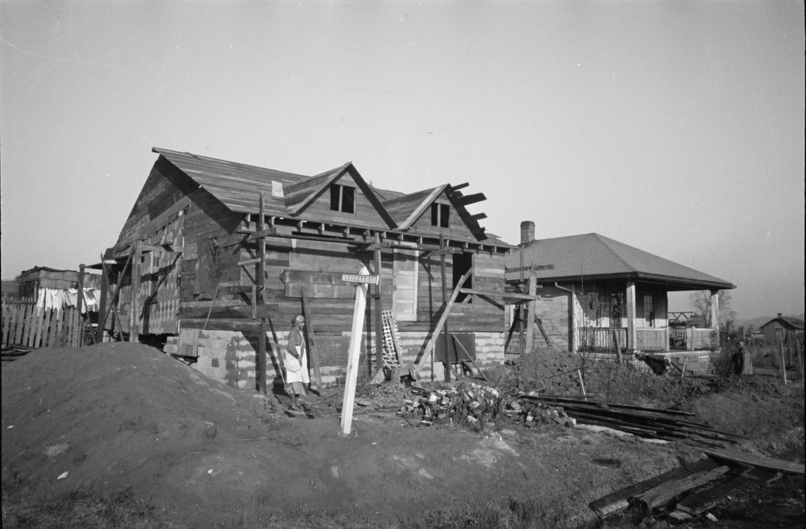05. Типичный полу-построенный дом, округ Гамильтон, Огайо